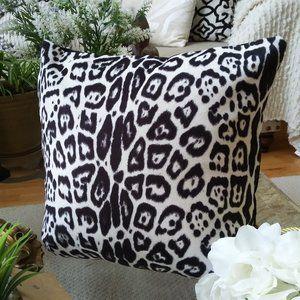 ELEGANT Leopard PRINT VELVET Accent Pillow